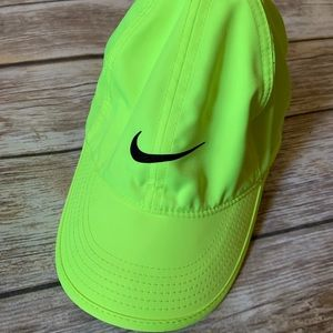 NIKE BASEBALL CAP WOMENS